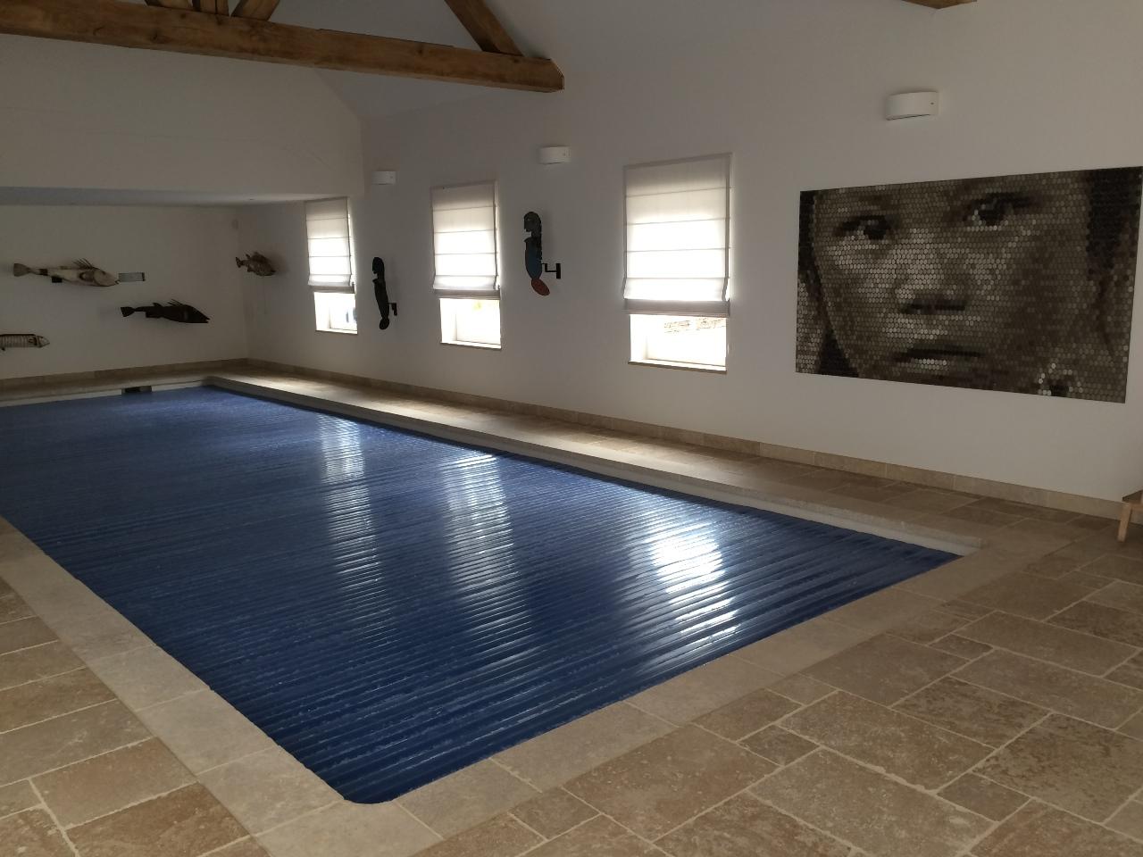 Rev tement en pierre naturelle paveca paveca - Revetement piscine pierre naturelle ...
